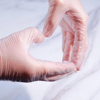 clear vinyl disposable gloves
